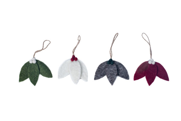 Holly leaf ornament set (4 in 1)