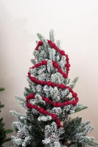 Snow ball garland